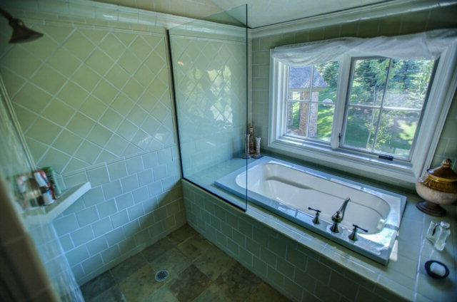 660-Migratory-interior-master-bathroom-2
