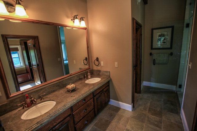 660-Migratory-interior-master-bathroom