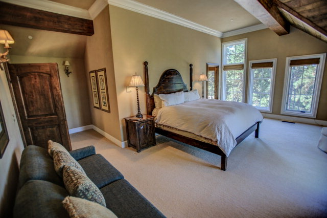 660-Migratory-interior-master-bedroom2