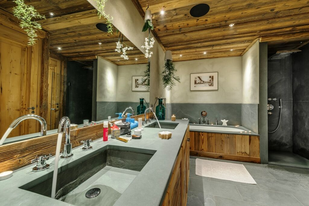 Chalet-For-Sale-In-Val-dIsere-10-1_preview