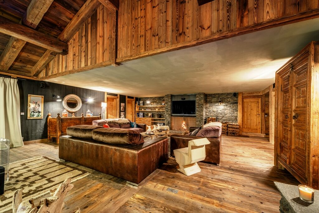 Chalet-For-Sale-In-Val-dIsere-2-1_preview