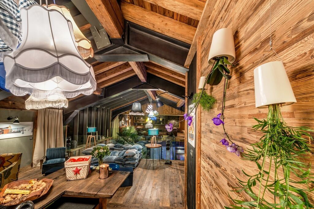 Chalet-For-Sale-In-Val-dIsere-6-1_preview