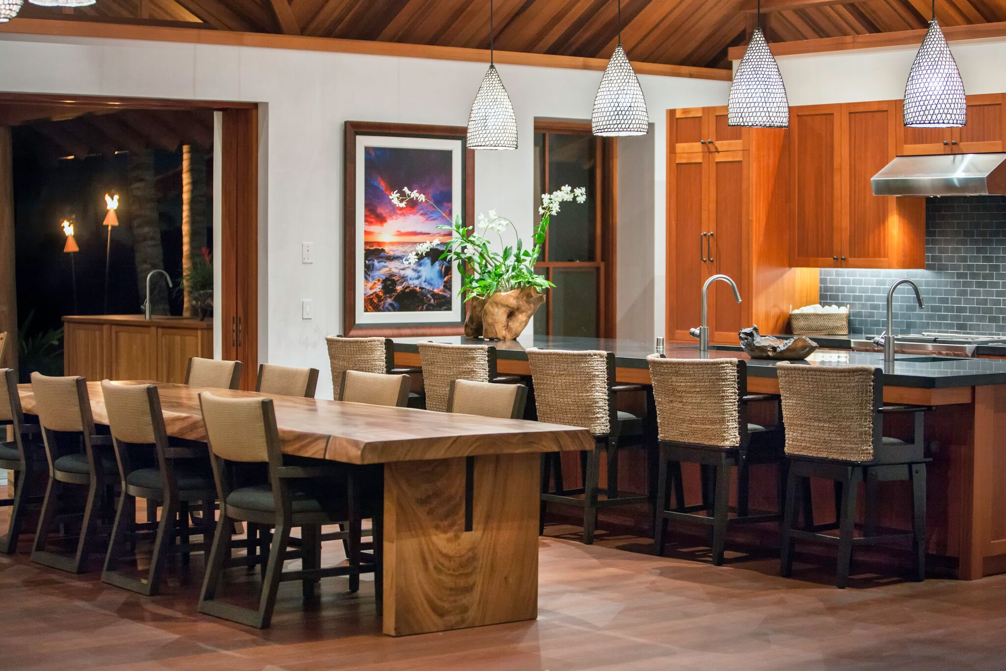 kitchen-seating_16377045645_o_preview