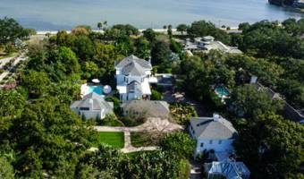 4621 Bayshore Boulevard, Tampa, Florida 33611, United States, ,Residential,For Sale,4621 Bayshore Boulevard,305716