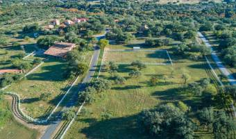 Expansive Hill Country Views- Unzoned
