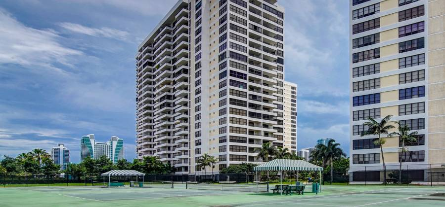 2500 Parkview Dr #1018C, Hallandale, Florida 33009, United States, 2 Bedrooms Bedrooms, ,2 BathroomsBathrooms,Condo,For Rent,Olynpus,Parkview Dr #1018C,437429