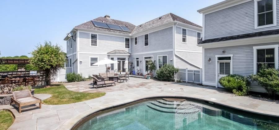1 Ocean Heights Rd., Newport, Rhode Island 02840, United States, 5 Bedrooms Bedrooms, 10 Rooms Rooms,5 BathroomsBathrooms,Residential,For Sale,Ocean Heights,470240