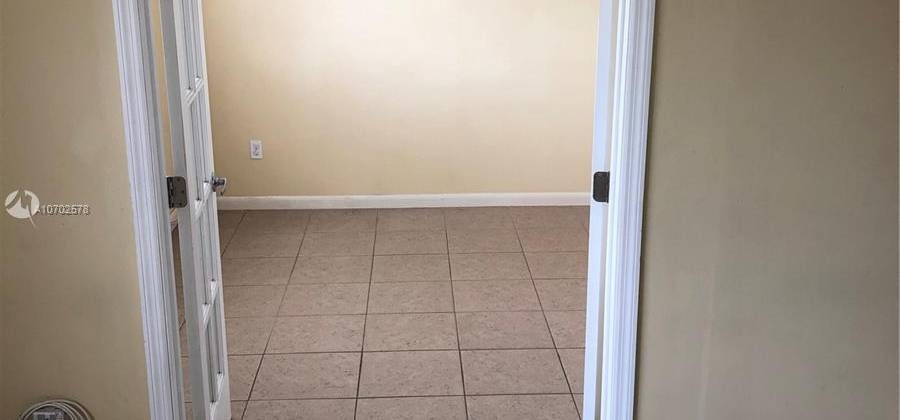 3630 N 56th Ave # 311, Hollywood, Florida 33021, United States, 1 Bedroom Bedrooms, ,1 BathroomBathrooms,Condo,For Rent,N 56th Ave # 311 ,1,480696
