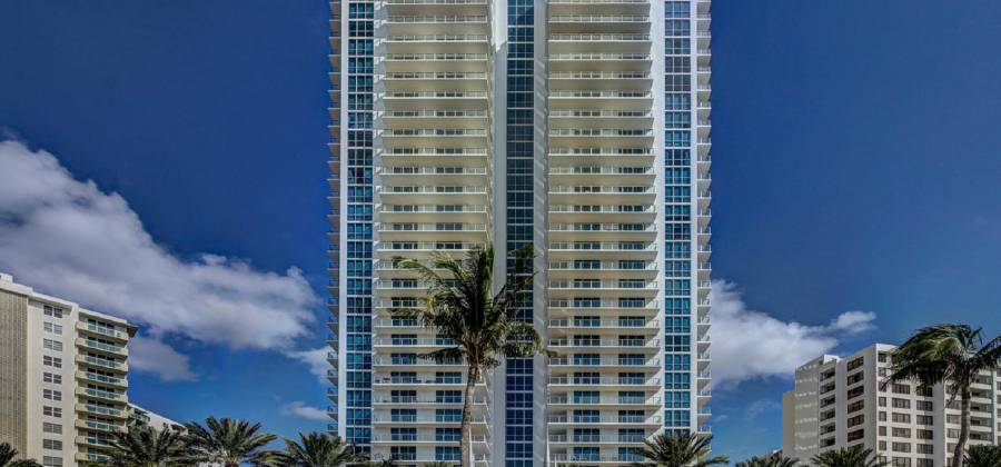 3101, HOLLYWOOD, Florida 33019, United States, 3 Bedrooms Bedrooms, ,3 BathroomsBathrooms,Condo,For Rent,38,515327