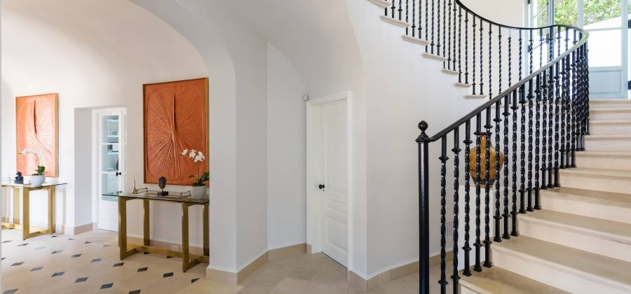 9240 Robin Dr, Los Angeles, California, United States, 4 Bedrooms Bedrooms, ,11 BathroomsBathrooms,Residential,For Sale,Robin,731238